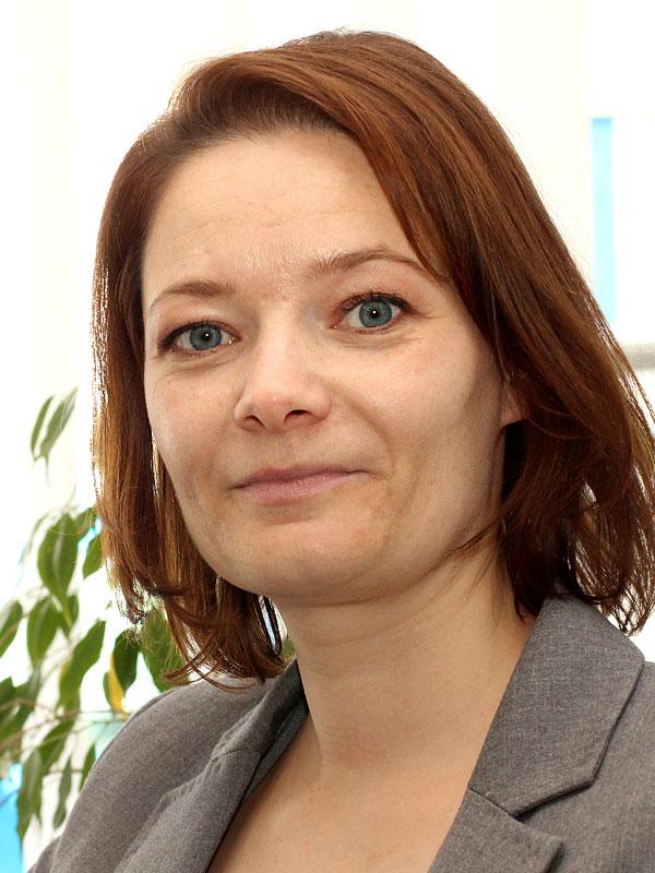 Oxana Schneider - Vertrieb